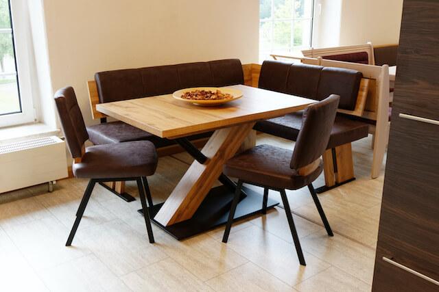 Möbel fürs Esszimmer